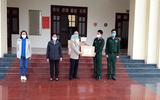 Trao tặng vật phẩm phòng chống dịch bệnh Covid - 19 cho Bộ đội Biên phòng tỉnh Lai Châu