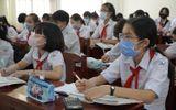 Theo lịch mới công bố, học sinh lớp 9 và lớp 12 sẽ đi học trở lại đầu tiên