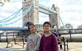 2 trẻ em Việt Nam tặng Anh 20.000 khẩu trang y tế