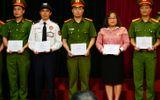 Vụ cướp ngân hàng bất thành tại chi nhánh Sóc Sơn: Bộ Công An khen thưởng các đơn vị tham gia phá án, trao bằng khen cho hai CBNV Techcombank
