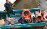 Giảng viên người Mỹ suýt chết đuối vì nhảy sông Sài Gòn vớt hộ chiếu