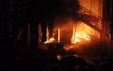 Cháy lớn tại khu vực chứa rác thải ở Biên Hòa, 6 nhà dân bị ảnh hưởng