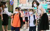 Học sinh mầm non, tiểu học Hà Nội đi học trở lại: Nhiều em ngơ ngác quên vị trí lớp học
