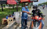 CSGT tổng kiểm soát phương tiện, người dân nháo nhác tìm mua bảo hiểm xe máy