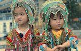 """Nụ cười rạng rỡ của 2 cô bé bán hàng rong ở Sa Pa gây """"bão"""" mạng xã hội"""