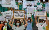 Tin thế giới - Tình hình dịch virus corona ngày 26/5: Bác sĩ Tây Ban Nha đồng loạt biểu tình vì thiếu thiết bị bảo hộ
