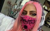 Tin tức giải trí - Tin tức giải trí mới nhất ngày 30/5/2020: Lady Gaga đeo khẩu trang của NTK gốc Việt, đích thân lái xe tải giao album mới