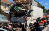Tin tai nạn giao thông mới nhất ngày 2/6/2020: Ô tô chở sắt vụn tông đuôi xe bồn, tài xế tử vong