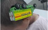 TP.HCM: Cấp cứu cho bé trai bị xe đồ chơi cắm vào đầu