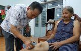 Thiếu tá 10 năm miệt mài chữa bệnh miễn phí cho người dân