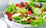 Ăn nhiều rau sống tưởng tốt ai dè vẫn rước bệnh vào người