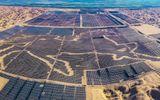 Cận cảnh hơn 6.000 ha pin mặt trời trải rộng khắp sa mạc Nội Mông ở Trung Quốc