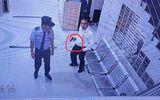 Doanh nhân cầm súng đe dọa, hành hung bảo vệ?