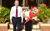 """Chủ tịch Thừa Thiên Huế tuyên dương nữ sinh viết bức thư """"gửi mệ Sương bán xôi"""""""