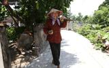 """Bí quyết sống khỏe """"hơn cả cháu"""" của cụ bà nông dân gần 90 tuổi"""