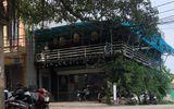 Hà Nội: Đang ngồi uống cà phê, người đàn ông bất ngờ bị đâm trúng ngực tử vong tại chỗ