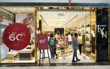 """Thị trường - Khai màn Lễ hội mua sắm Đỏ, khách hàng đổ xô tới Vincom """"săn sale"""""""