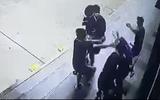 An ninh - Hình sự - Hé lộ nguyên nhân vụ hỗn chiến trước siêu thị, thanh niên trúng 2 viên đạn bi vào đầu