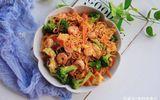 Về muộn không kịp nấu cơm, bạn làm nhanh món này cho cả nhà ăn vẫn đủ chất lại ngon miệng
