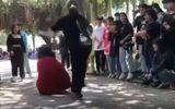 Tin trong nước - Vụ clip thiếu nữ mặc áo đỏ bị cô gái áo đen đánh dã man: Người đánh là ai?
