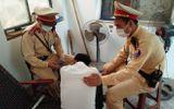 Việc tốt quanh ta - CSGT ngăn nam thanh niên quê Nam Định nhảy cầu Chương Dương tự tử