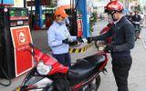 """Thị trường - Sau 4 lần tăng giá liên tiếp, giá xăng dầu bất ngờ """"đứng im"""""""