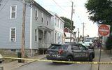 Chơi trò cảnh sát bắt kẻ trộm, cậu bé 13 tuổi bắn tử vong em trai