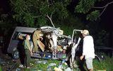 Bình Thuận: Xe khách va chạm xe tải, 8 người tử vong