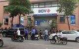 Cướp nổ súng uy hiếp nhân viên ngân hàng BIDV tại Hà Nội, lấy đi vài trăm triệu đồng