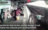 Video-Hot -  Video: Thót tim khoảnh khắc nhân viên sân ga cứu hành khách suýt bị tàu hỏa cuốn
