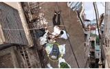 Tin trong nước - Nghe tiếng động mạnh, kiểm tra phát hiện người đàn ông bị xe rùa từ tầng 5 rơi trúng