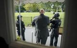 Tin thế giới - Nổ súng bên ngoài Nhà Trắng, Tổng thống Trump được mật vũ Mỹ hộ tống rời họp báo ngay lập tức
