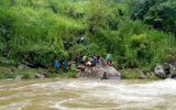 Tin trong nước - Gần 100 người tìm kiếm nạn nhân trượt chân xuống suối mất tích