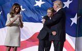 Dù là Tổng thống, ông Trump vẫn là một người cha bình thường khi ở cạnh quý tử Barron