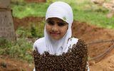 Tin tức đời sống mới nhất ngày 25/8/2020: Bé gái để 100.000 con ong vây kín người