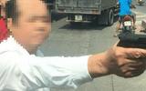 """Vụ dùng vật nghi là súng dọa """"bắn vỡ sọ"""" người đi đường ở Bắc Ninh: Hé lộ thân thế người đàn ông"""