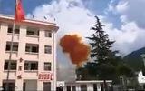 Video-Hot - Video: Thót tim chứng kiến mảnh vỡ tên lửa Trung Quốc suýt rơi trúng trường học