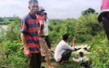 Vớt thi thể nữ sinh lớp 12 nhảy cầu tự tử ở Nghệ An