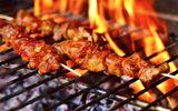 """Điểm mặt những sai lầm khi nướng thịt khiến món ăn thơm ngon biến thành """"chất độc"""""""
