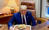 Sự thật đằng sau bức ảnh hơn 1,5 triệu lượt thích của Tổng thống Mỹ Donald Trump
