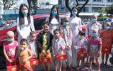 Việc tốt quanh ta - Hoa hậu Tiểu Vy, Á hậu Phương Nga và Thúy An mang quà trung thu đến thăm các bệnh nhi