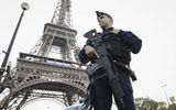Tin thế giới - Tháp Eiffel bị dọa đánh bom, hàng trăm người đi sơ tán