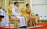 Tin thế giới - Nhà vua và Hoàng hậu Thái Lan lần đầu xuất hiện giữa biểu tình phản đối