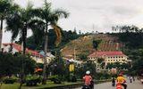 Tin trong nước - Lãnh đạo tỉnh Hoà Bình lên tiếng về thông tin chi hơn 10 tỷ đồng lắp khẩu hiệu trên đồi Ông Tượng