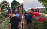 Hà Nội: Xe đưa đón học sinh bị tàu hỏa tông trúng, 3 cháu nhỏ nhập viện cấp cứu