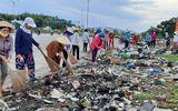 Việc tốt quanh ta - Phụ nữ Khánh Hòa đồng loạt ra quân chống rác thải nhựa