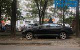 """Kinh doanh - Hà Nội: Xót xa nhìn Bentley, BMW tiền tỷ bị chủ nhân """"bỏ quên"""", chịu cảnh dầm mưa, dãi nắng"""