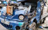 Tin tai nạn giao thông mới nhất ngày 3/10/2020: Cưa ca bin cứu lái xe mắc kẹt sau tai nạn giao thông ở Hà Nội