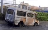 Vụ xe 16 chỗ kéo lê xe máy dân phòng 6km rồi tông vào container, cháy rụi: Hé lộ nguyên nhân