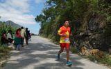 Ông Đoàn Ngọc Hải chạy marathon dài 42 km tại Mèo Vạc